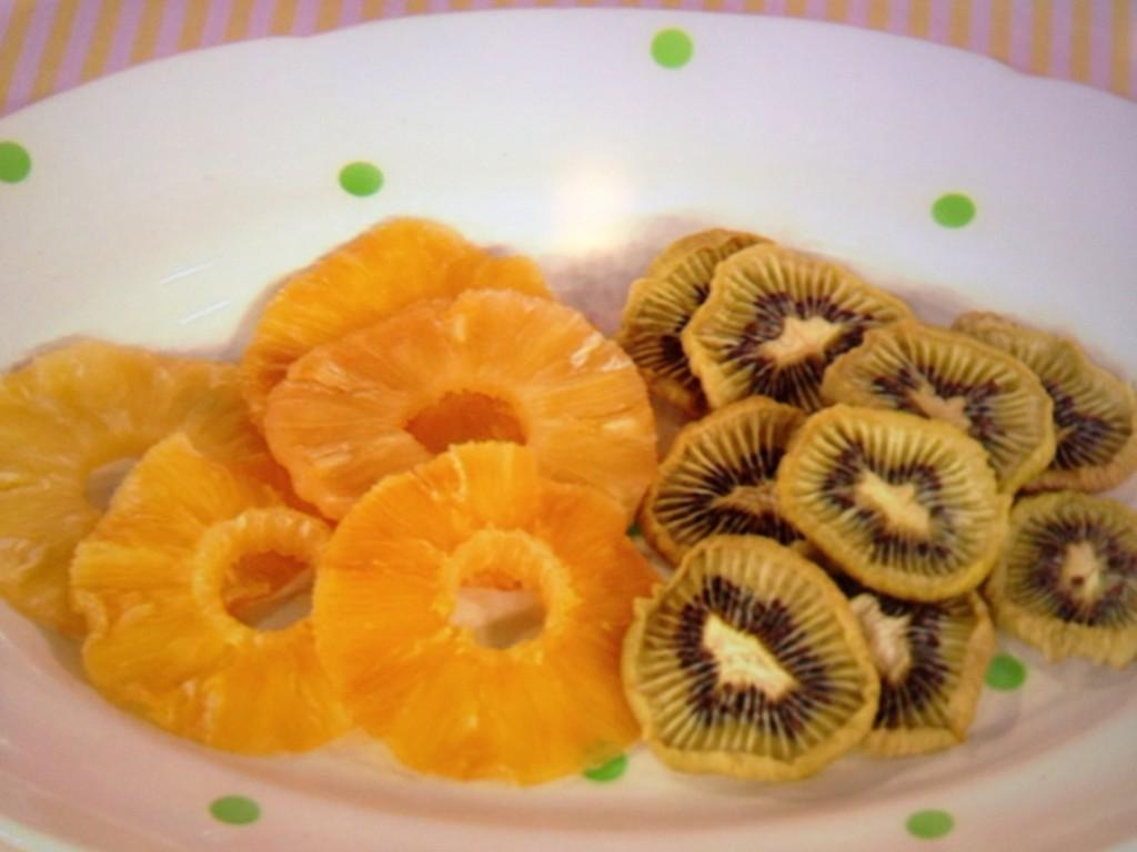 キウイとパイナップルのドライフルーツ