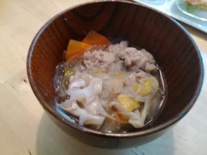 たっぷり野菜の肉団子スープ