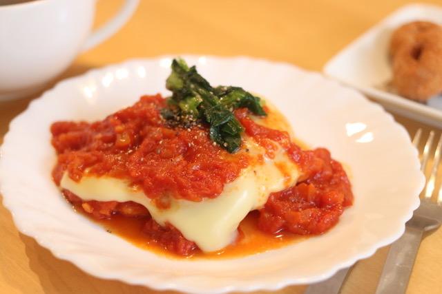 鶏胸肉がしっとりするレシピ☆チキンのトマトソース煮込みの作り方と火加減のコツ