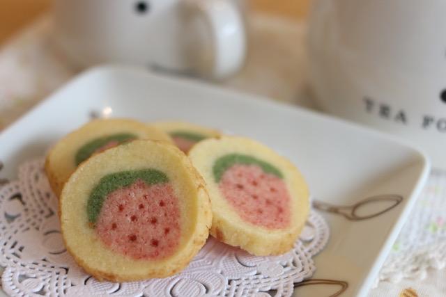 苺のアイスボックスクッキーの作り方☆お花さくサククッキーの応用