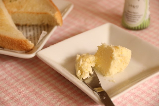 生クリームから手作りバターの作り方と原理☆失敗しないためのコツ[簡単実験&自由研究]