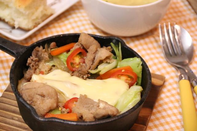 フライパンで簡単☆辛くないチーズダッカルビの作り方