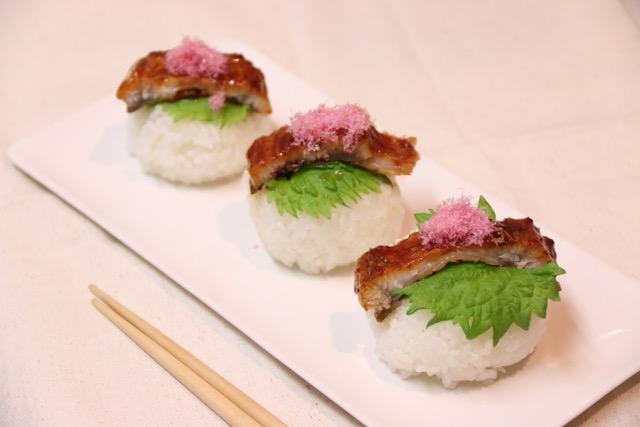 ウナギが高かったので、手まり寿司にしてみた。